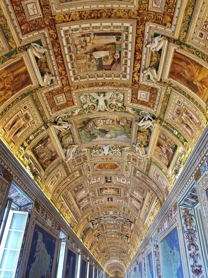 Потолок комнаты карты музея Ватикана стоковая фотография rf