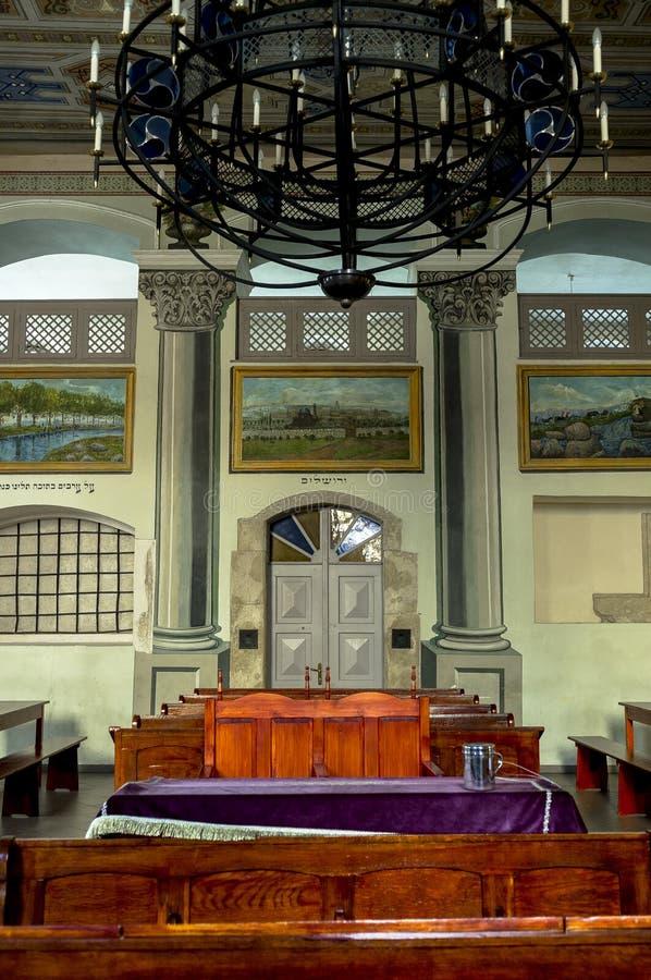 Потолок внутри синагоги стоковые фото