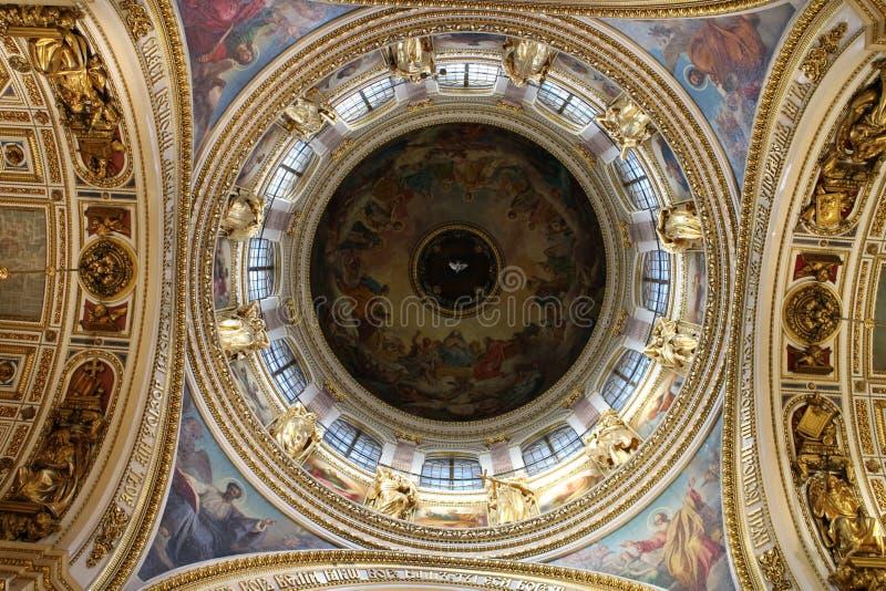 Потолок в соборе ` s St Исаак, Санкт-Петербурге стоковые фото