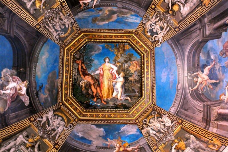 Потолок галереи в музеях Ватикана стоковое изображение rf
