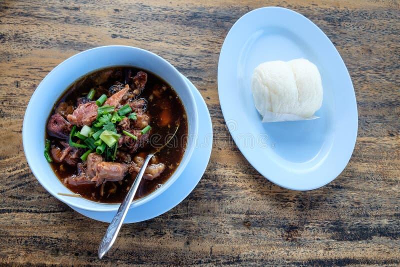 Потушенная нога свинины, очень вкусная еда, тайская еда стоковое фото rf