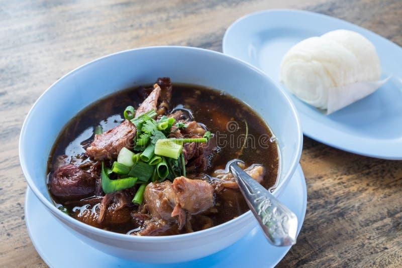 Потушенная нога свинины, очень вкусная еда, тайская еда стоковые изображения rf