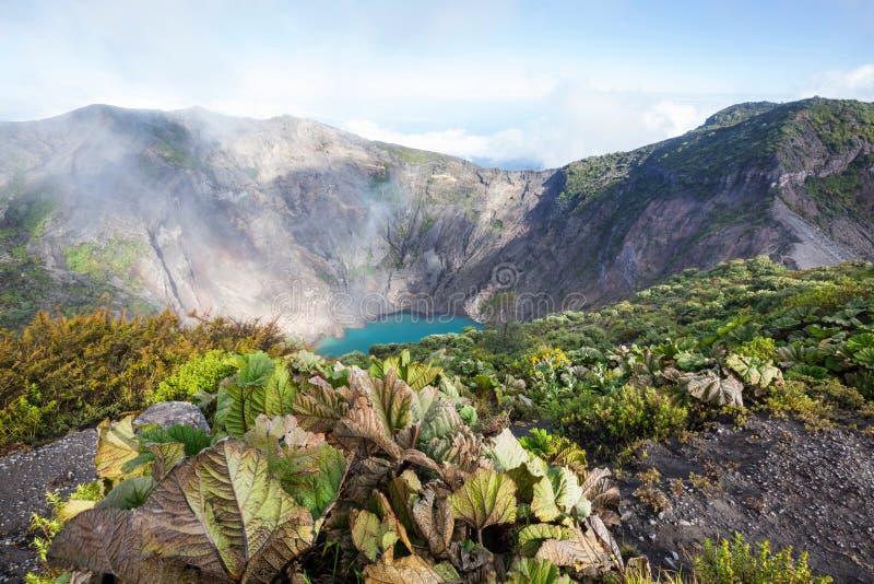 Поход к вулкану стоковые изображения rf