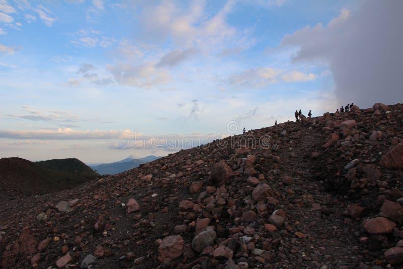 Поход Никарагуа захода солнца Telica вулкана стоковое изображение
