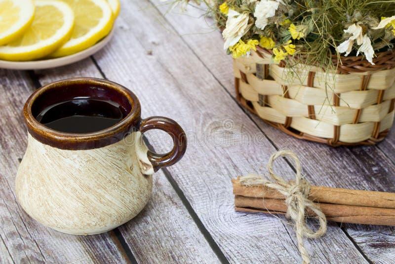 почерните чай чашки стоковая фотография rf