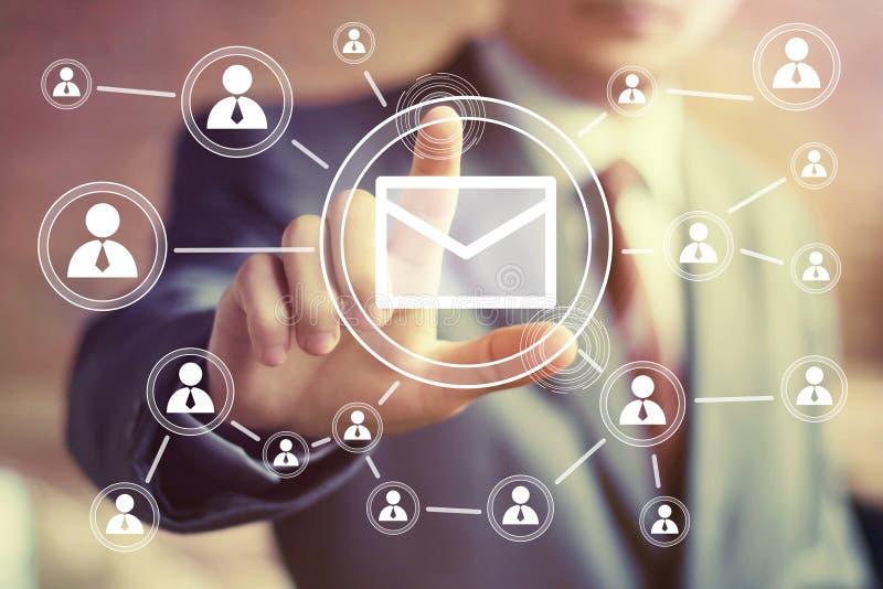 Почта сообщения кнопки дела посылая сеть иллюстрация вектора