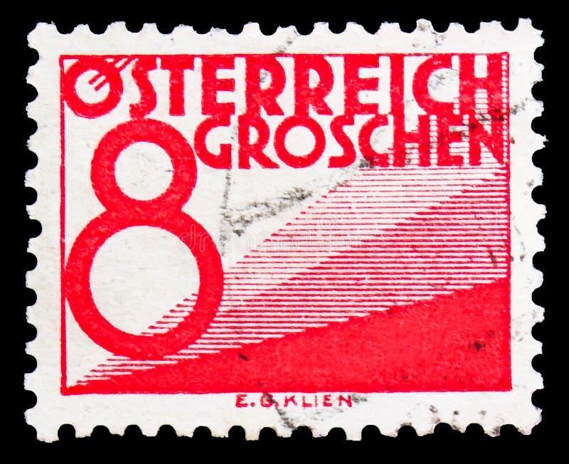 Почтовая марка, напечатанная в Австрии, показывает Digit & triangles, Postage Due (1925-1934) serie, около 1925 стоковая фотография