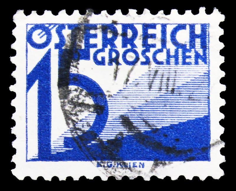 Почтовая марка, напечатанная в Австрии, показывает Digit & triangles, Postage Due (1925-1934) serie, около 1925 стоковая фотография rf