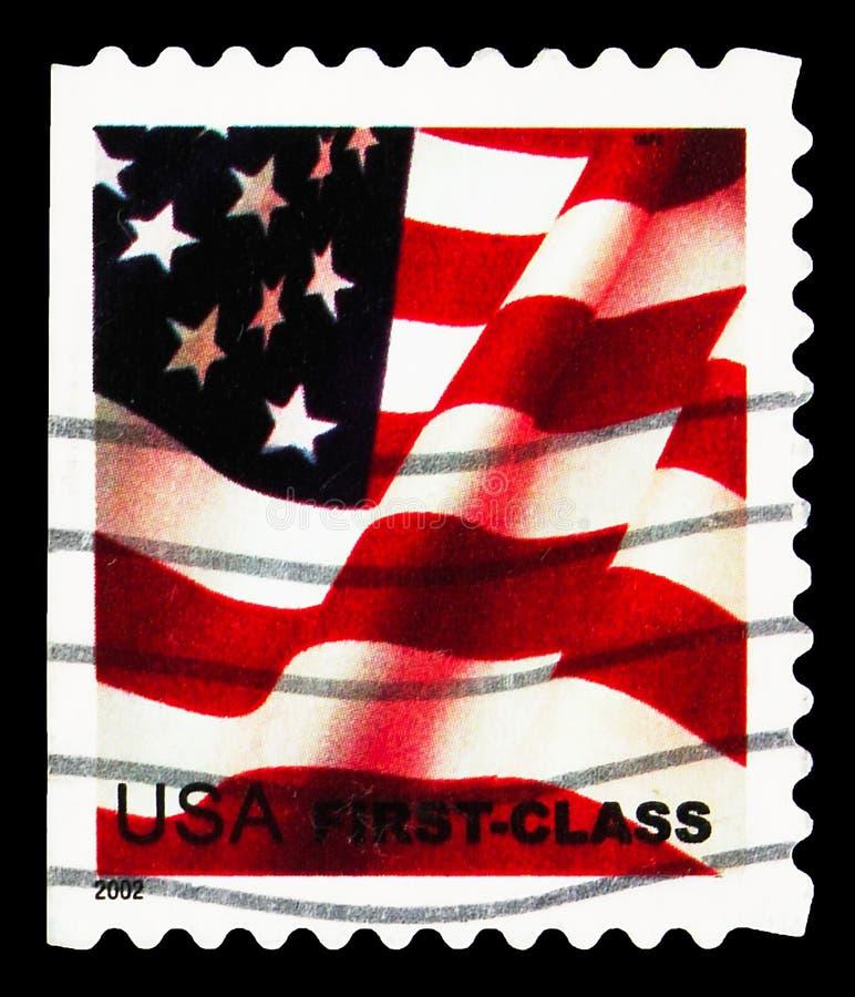Почтовая марка, напечатанная в США, показывает Flag, No Face Value, First class, serie, около 2002 стоковое изображение