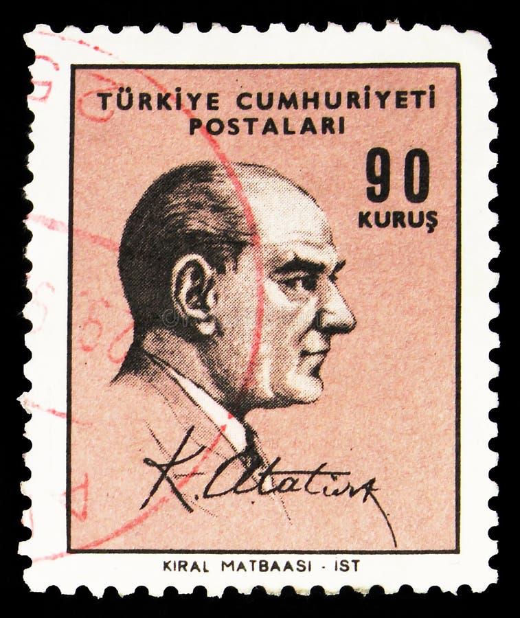 Почтовая марка, напечатанная в Турции, показывает Кемала Ататюрка (1881-1938), первого президента, Defintical Postage Stamps seri стоковые фотографии rf