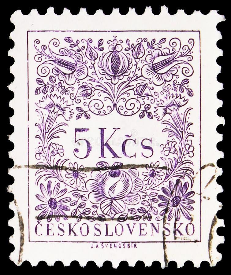 Почтовая марка, напечатанная в Чехословакии, показывает новый рисунок, Postage Due Stamps (1954-1963) serie, около 1955 стоковое фото
