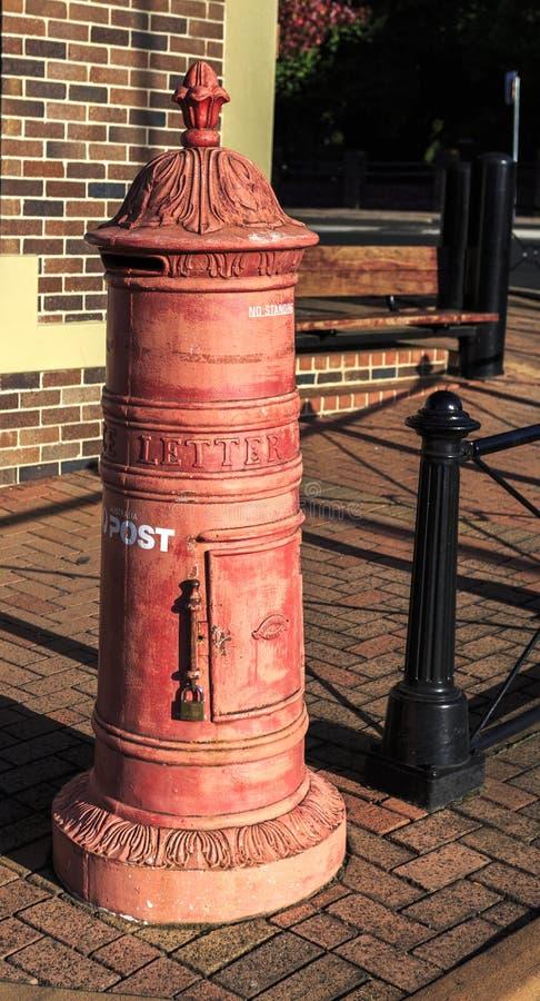 Почтовый ящик Armidale красный стоковые фото