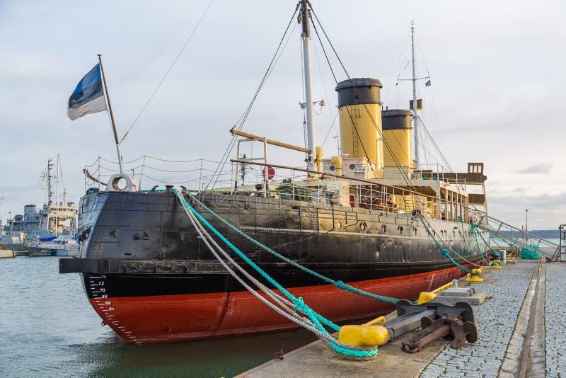 Пошлина Suur ледокола в гавани гидросамолета стоковое фото rf