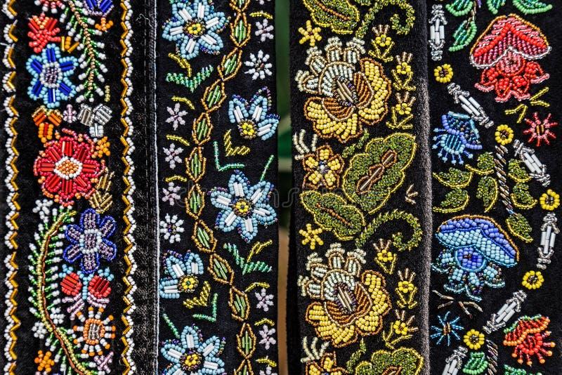 Поясы для женщин вышили традиционному с румынскими картинами стоковое изображение rf