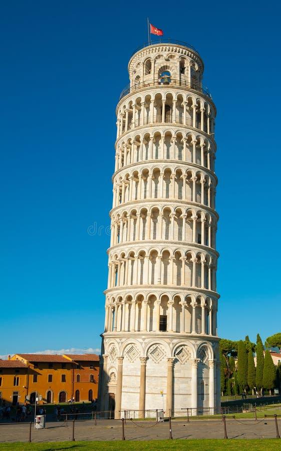 Download полагаясь башня pisa стоковое изображение. изображение насчитывающей византийско - 40575809