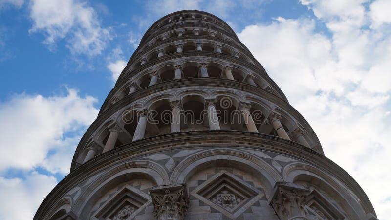 полагаясь башня pisa стоковая фотография rf