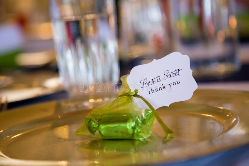 Подарки благосклонности свадебного банкета спасибо стоковое изображение
