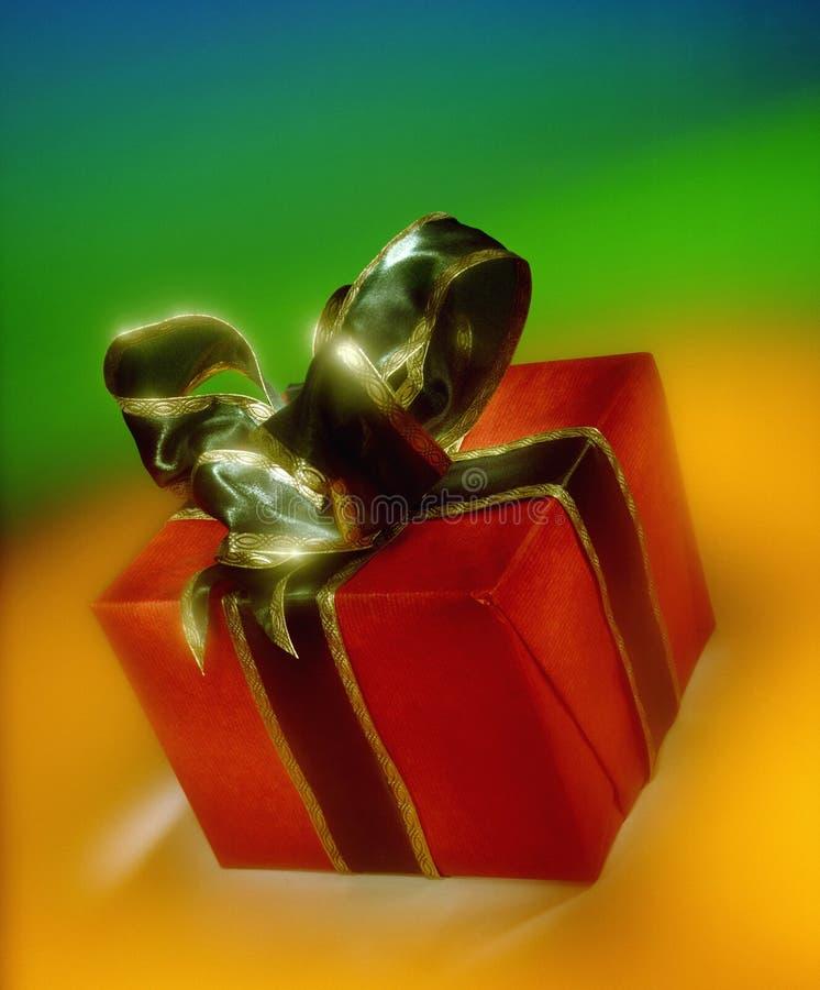 Подарок - Giftwrapped - настоящий момент стоковая фотография rf