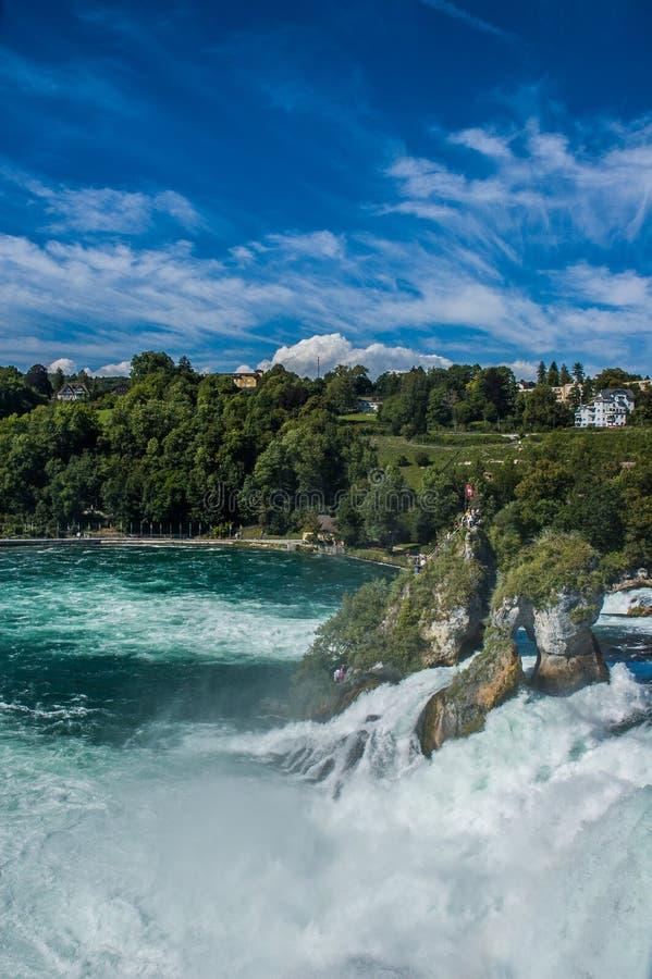 Подача и утесы воды Rhine Falls стоковое фото