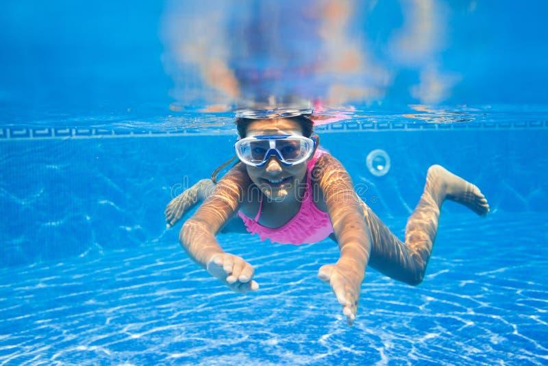 Подводная девушка стоковые фото