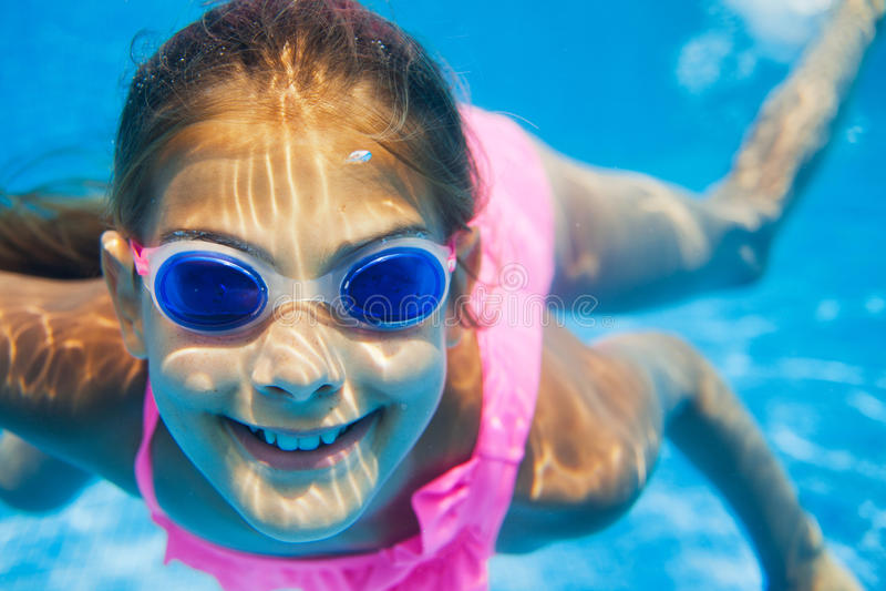 Подводная девушка стоковые изображения rf