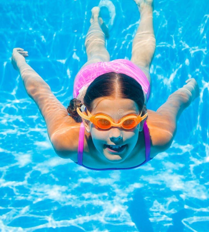 Подводная девушка стоковая фотография