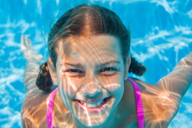 Подводная девушка стоковое фото rf