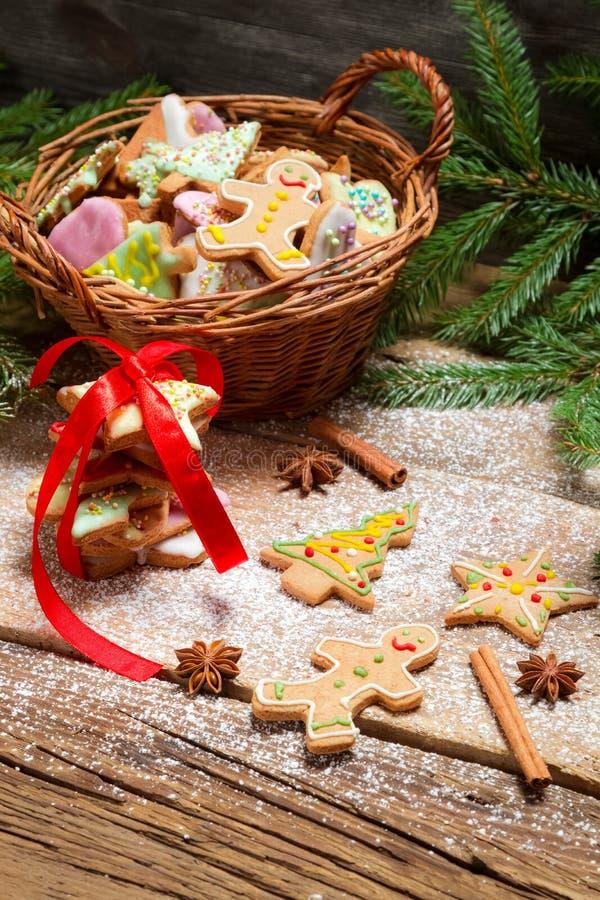 Подготавливать печенья пряника для рождества стоковое фото rf