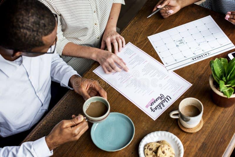 Подготовка данным по контрольного списока плановика свадьбы стоковые изображения