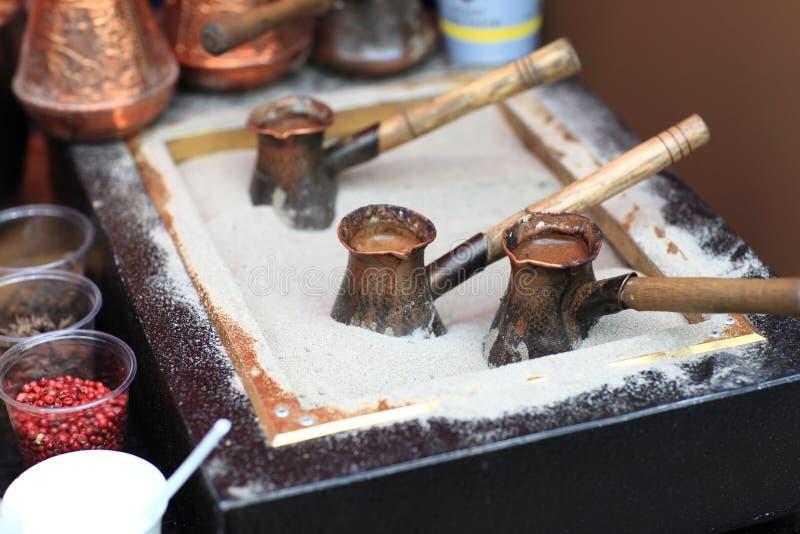 Подготовка кофе стоковое изображение rf