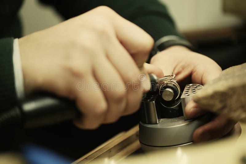 Подготовка для устанавливать диамант стоковые изображения rf