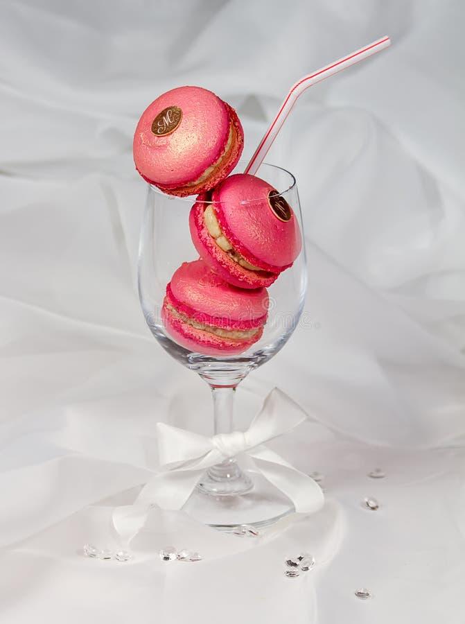 Поленика розовое Macarons стоковые фото