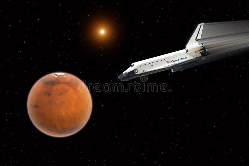 Полет космического летательного аппарата многоразового использования к повреждает - элементы этого изображения поставленные NASA стоковая фотография