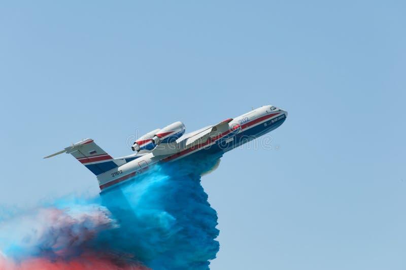 Полет с сымитированным огнем - тушащ стоковая фотография rf