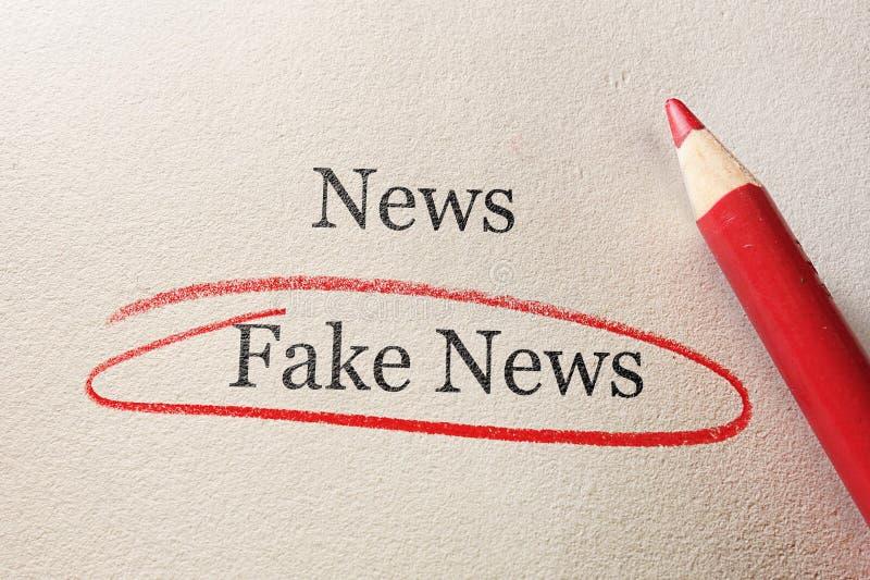 Поддельный круг красного цвета новостей стоковое изображение