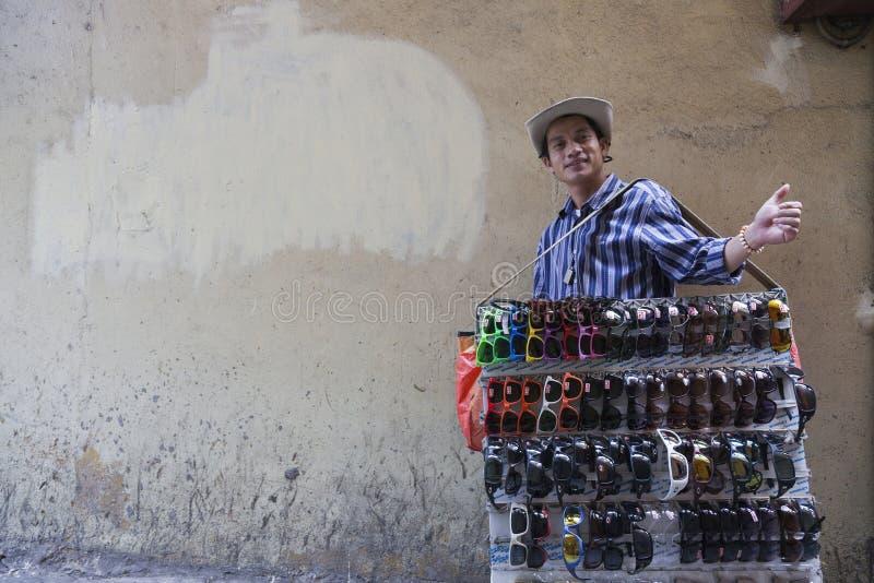 Поддельный продавец запрета Рэй стоковые фото