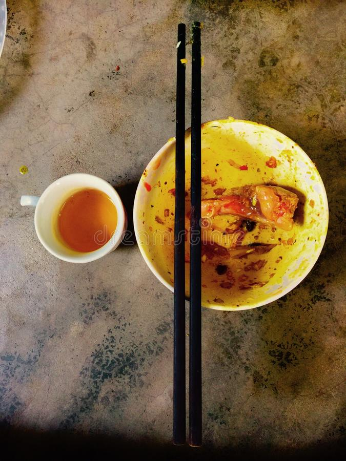 Подлинная еда в Вьетнаме стоковая фотография
