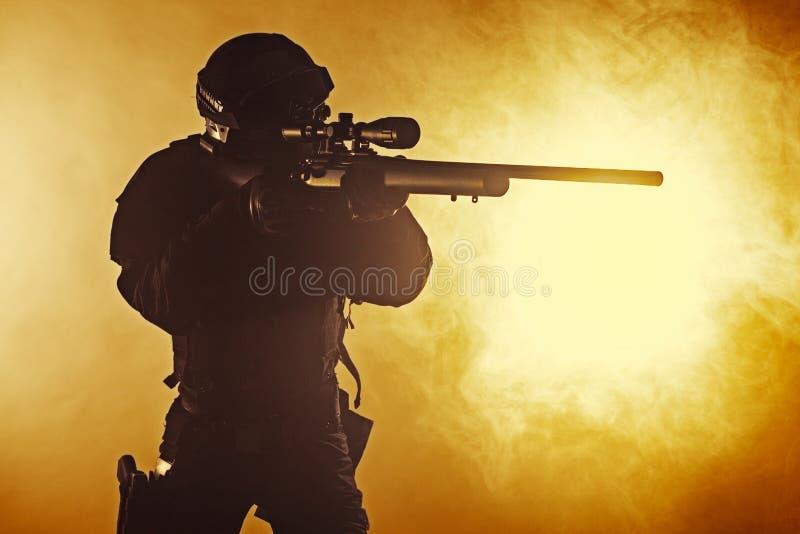 Полицейский СВАТ стоковое изображение