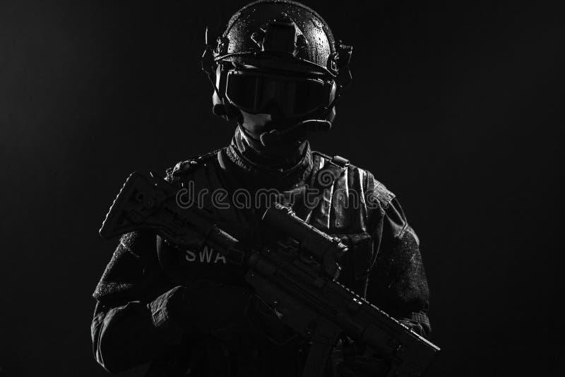 Полицейский СВАТ ops спецификаций стоковые изображения rf