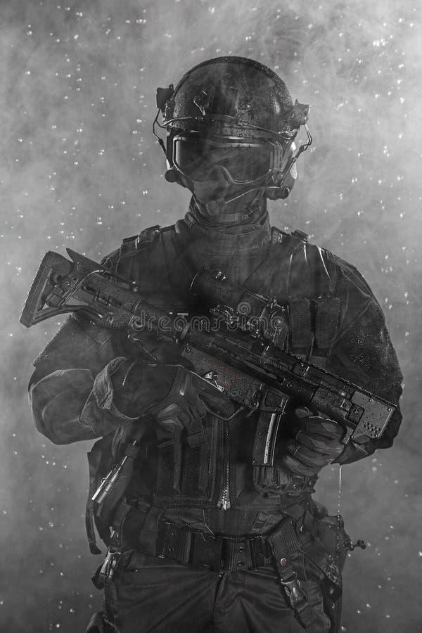 Полицейский n дым стоковое изображение rf