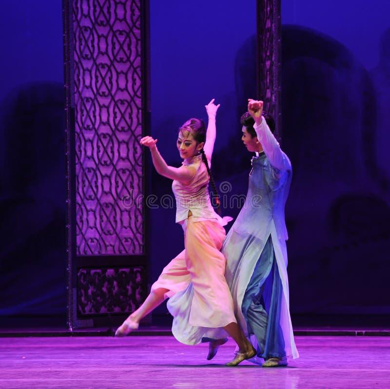 По мере того как тень следовать поступком формы- во-вторых событий драмы-Shawan танца прошлого стоковое фото rf