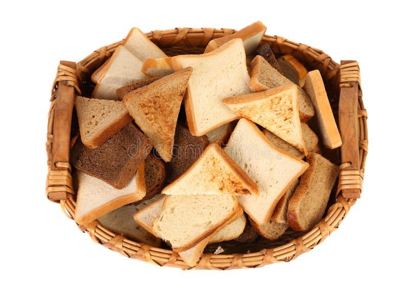 Полная отрезанная корзина различной?? хлеб. стоковое фото rf