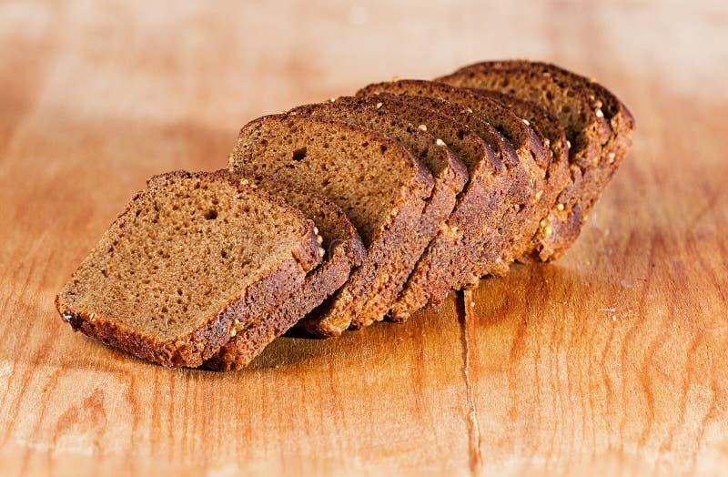 Download поднимающее вверх хлеба близкое Стоковое Фото - изображение насчитывающей тесто, темно: 40591836