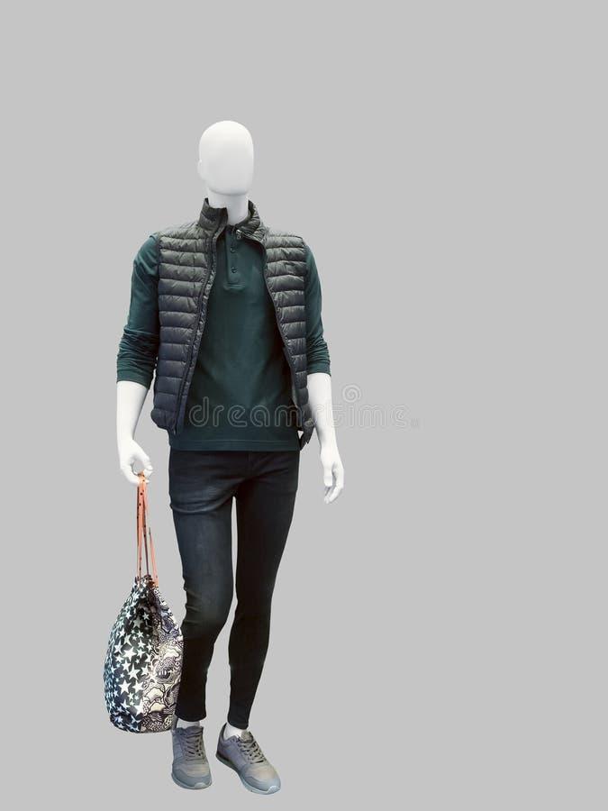 продаже картинка куртки манекен мелочей вроде