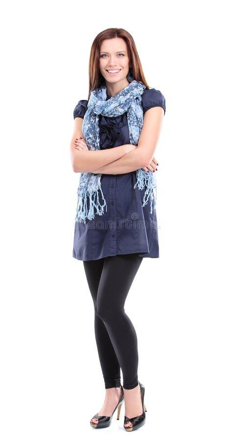 Полнометражный портрет милой молодой женщины стоковое фото rf