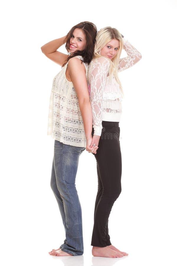 Download Полнометражный портрет милый представлять молодой женщины Стоковое Изображение - изображение насчитывающей взаимодействие, наконечников: 33734479
