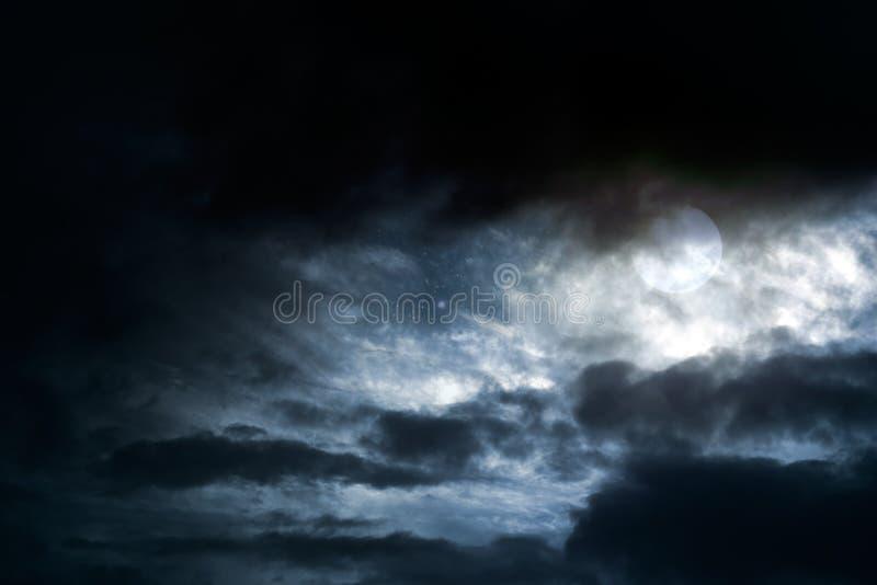 Полнолуние overcast стоковое фото