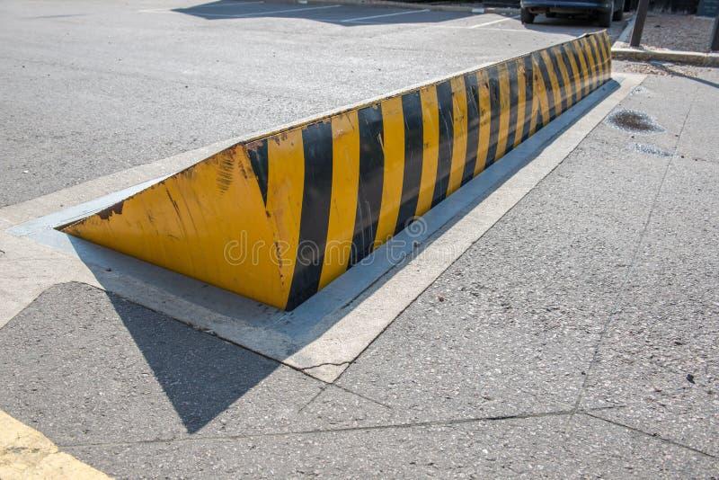 Поднятый пандус дороги стоковая фотография