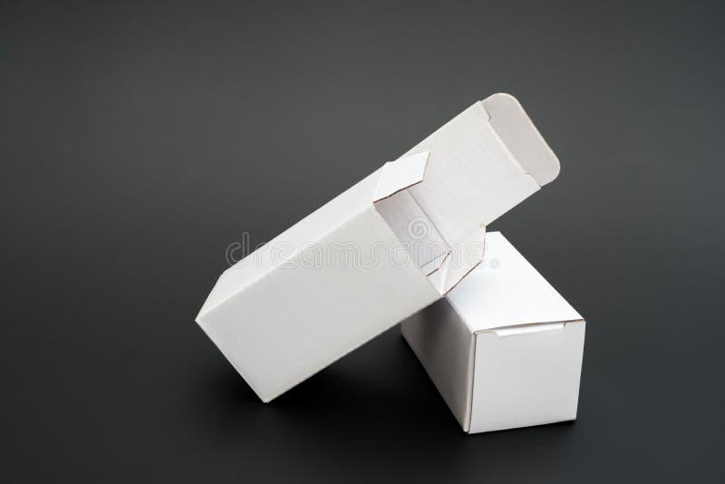 Положенная в коробку белизна 2 стоковая фотография rf