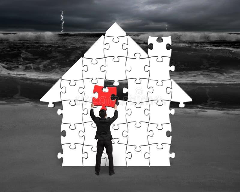 Download Положите красную головоломку в форму дома для плохой ситуации Иллюстрация штока - иллюстрации насчитывающей человек, конспектов: 41653459